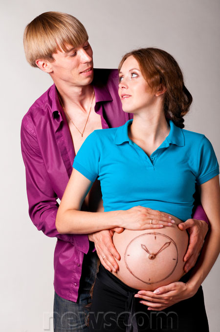 awkward-pregnancy-picture