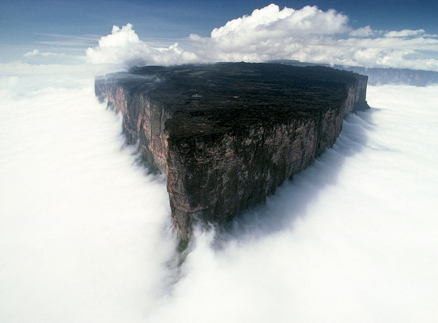 Mount Roraima, Venezuela-Brazil-Guyana-unbelievable-places