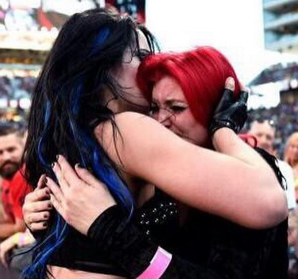 wwe_diva_paige_hot-pictures-22