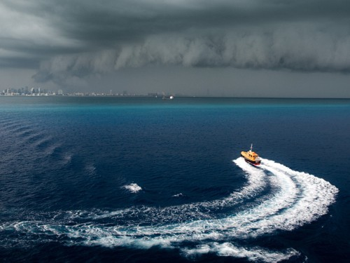 scary-cloud-out-at-sea